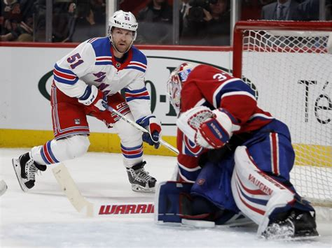 Antti Niemi Shines In Goal, While Team