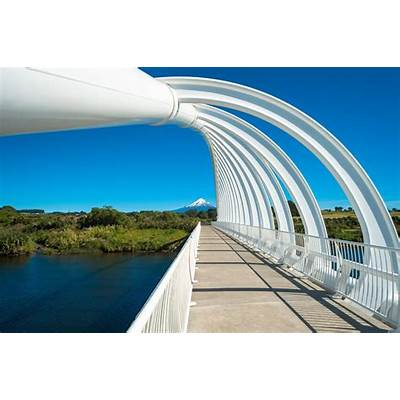 Panoramio - Photo of Te Rewa Bridge & Mount Taranaki