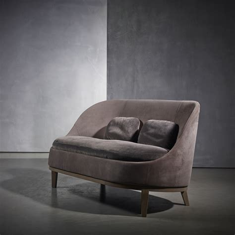 Belle Loveseat Tollgard