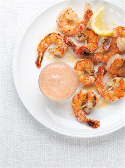cuisine revisit馥 cocktail de crevettes aux oeufs mollets la recette