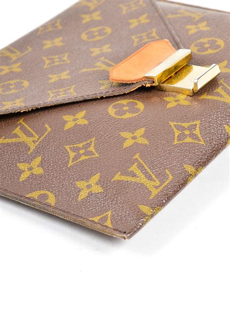 louis vuitton louis vuitton monogram poche plate