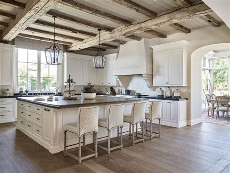 Country Kitchen Ideas Pinterest by Best 25 Traditional White Kitchens Ideas On Pinterest