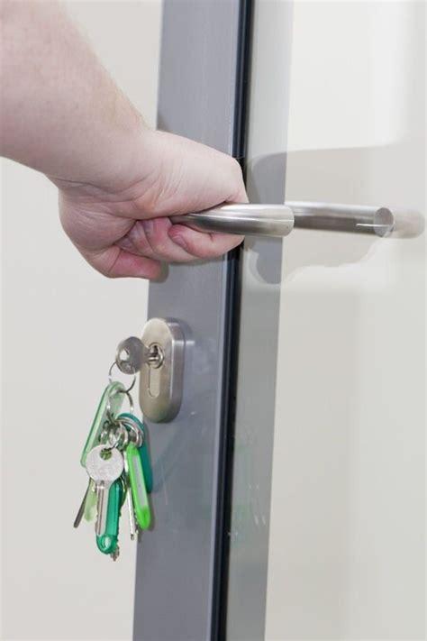 17 meilleures id 233 es 224 propos de serrure de porte sur serrures de porte verrou de