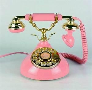 Telephone Mural Vintage : earphones telephone pink gold vintage glamgerous old school home decor wheretoget ~ Teatrodelosmanantiales.com Idées de Décoration