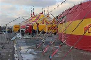 Cirque Pinder Paris 2016 : hier au cirque pinder paris pelouse de reuilly installation d 39 un hall d 39 accueil devant le ~ Medecine-chirurgie-esthetiques.com Avis de Voitures