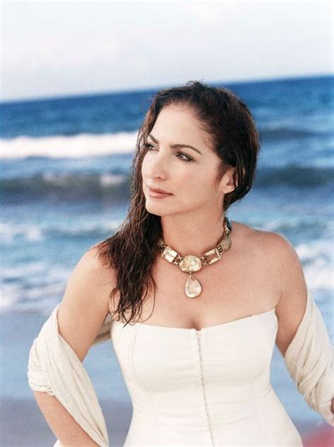 Gloria Estefan Bio, Wiki 2017 - Musician Biographies