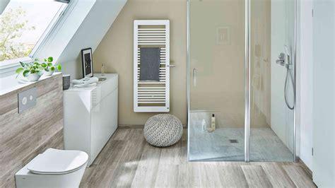 Das Badezimmer Unterm Dach Individuelle Loesungen by Kleines Badezimmer Badplanung Und Badgestaltung Mit Wenig