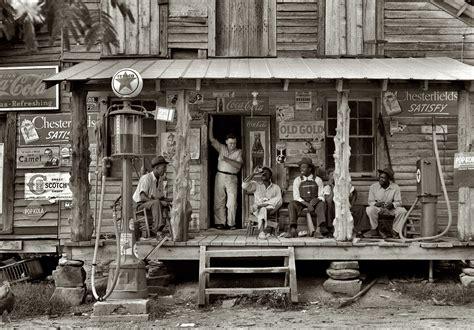 Black / White Tankstelle gas station b/w Country Store ...