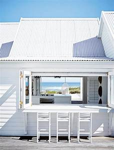 home inspiration: WHITE BEACH HOUSE - bellamumma