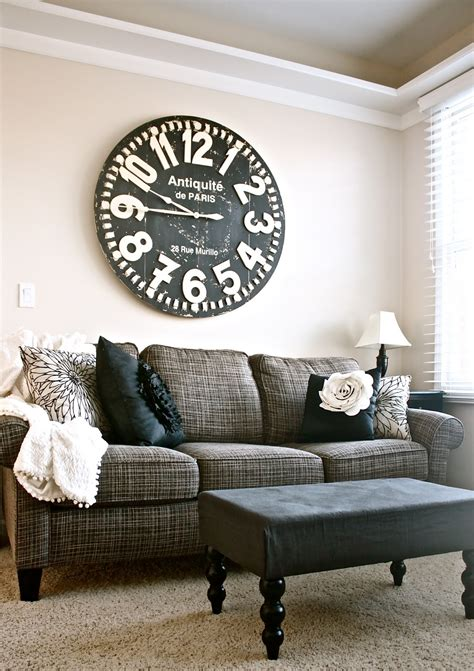decorate   sofa   attractive ways