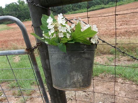 Vintage Primitive Bucket Rustic Garden Decor Flower Basket