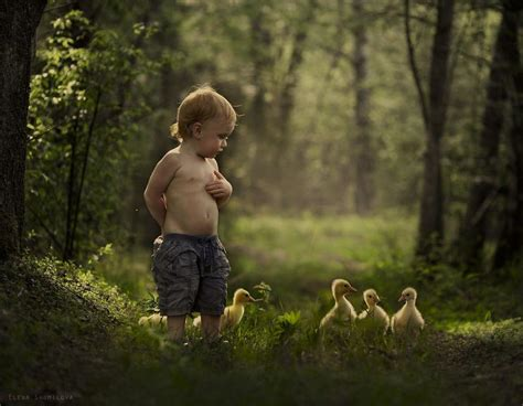 mother takes magical pictures    kids  animals