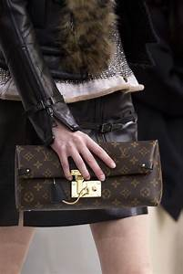 Louis Vuitton Bademantel : louis vuitton fall winter 2015 16 women s collection ~ A.2002-acura-tl-radio.info Haus und Dekorationen