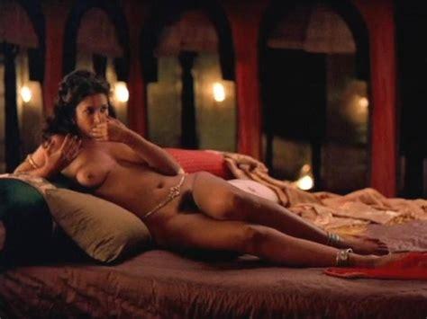 Nude Samyuktha Varma Hot