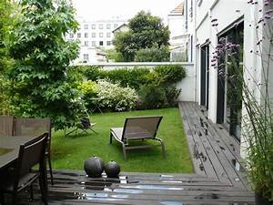 jardin contemporain 35 idees d39amenagement sympathiques With photo jardin moderne design