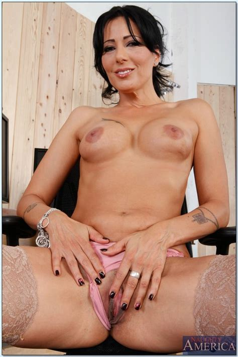Milf Porn Star Zoey Holloway In Doggy Style Milf Fox