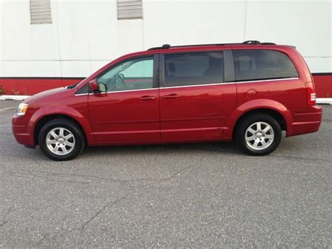 Used Chrysler Town And Country Limited by Buy Used 2008 Chrysler Town And Country Limited Loaded In