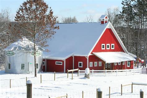 canterbury creek farm preschool grand rapids mi 146   school in snow 015