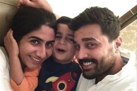 hair accessories murali vijay 39 s wedding cricket and the allegation