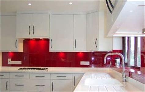 fliesenspiegel küche glas küchenrückwand fliesenspiegel glas 4mm farbig lackiert für küche wand