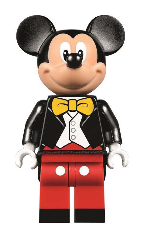 LEGO Disney Castle Is a Huge, Must-Buy for Any Fan