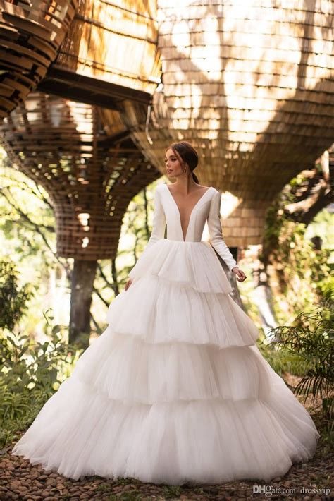 discount    country wedding dresses tiered skirts