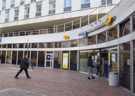 bureau de poste villejuif cergy la poste du grand centre va déménager le parisien