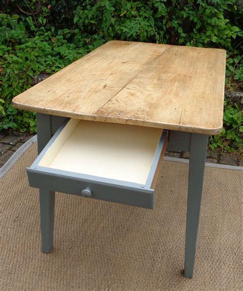 table cuisine avec tiroir table ancienne de cuisine de pecheur