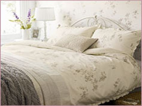 bedroom ideas country style shabby chic vintage bedding not so shabby chic interior