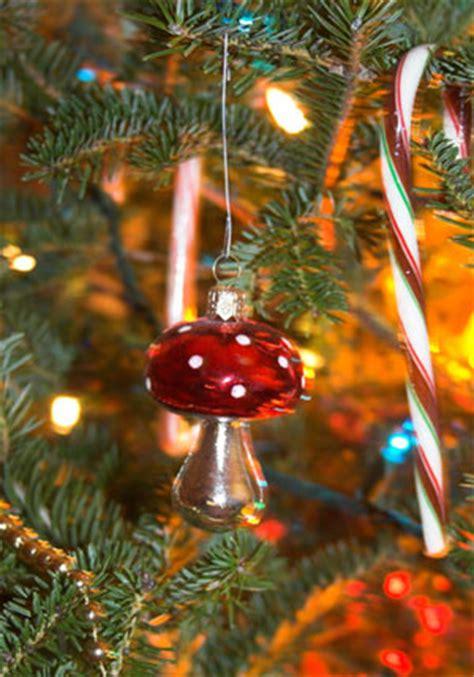 christmas tree  mushroom cult henrymakowcom