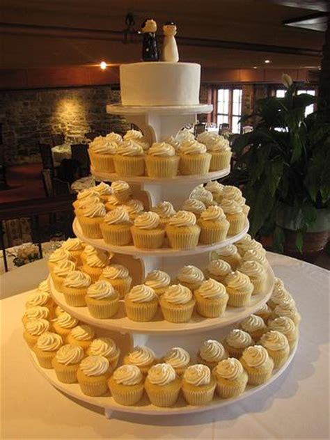 beautiful budget wedding cakes my trio rings the modern jeweler for the modern