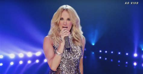 Watch Carrie Underwood's Glitzy 'sunday Night Football