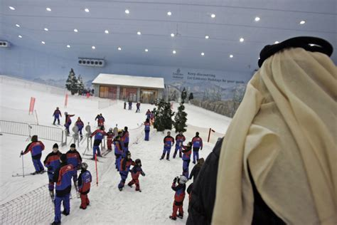 indoor skiing facility of dubai luxuo