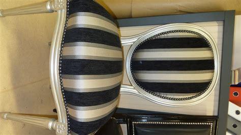 restauration canapé cuir chaise médaillon louis xvi la assise