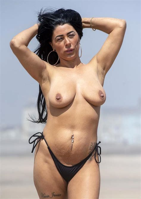 Ugly Fat Slut Simone Reed Nude At The Beach Scandal Planet