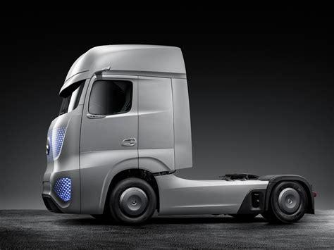mercedes benz showcase future truck their vision for 2025
