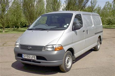 Review Toyota Hiace by Toyota Hiace Review 1983 2012 Parkers