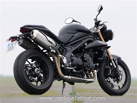 Triumph 1050 Speed Triple 2011 Vs Triumph 675 Street