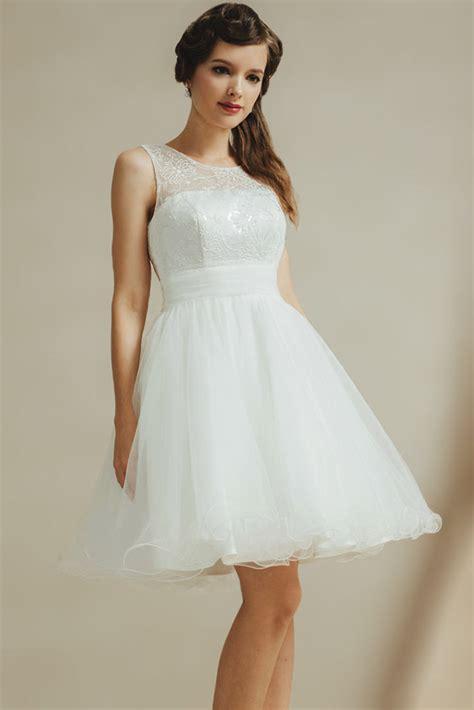 robe de mariee moderne et originale robe de mari 233 e moderne courte