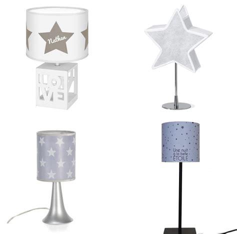 lustre pour chambre bébé chambre bébé garçon thème étoile idées cadeaux de