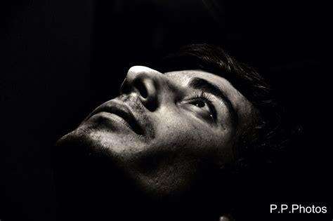 fond decran hommes visage monochrome la photographie