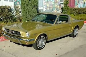 1965 Ford Mustang Fastback - Honey Gold