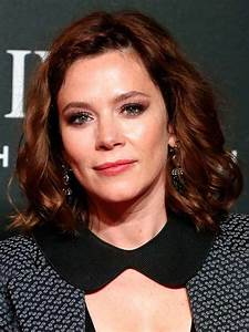 Anna Friel Reveals She Was One Hour From Death After Cyst