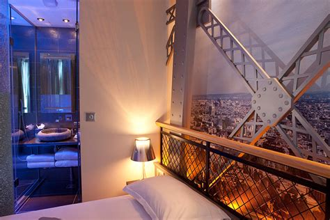 Eiffel Tower Rooms (shower)  Hotel Design Secret De Paris