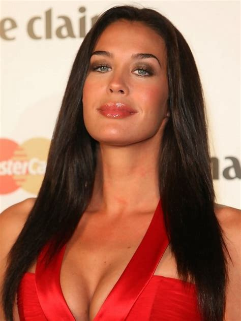 21 Megan Gale Hairstyles  Megan Gale Hair Pictures