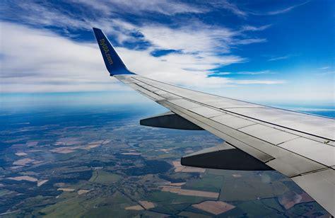 air travel airplane flight photo  daria epicantus