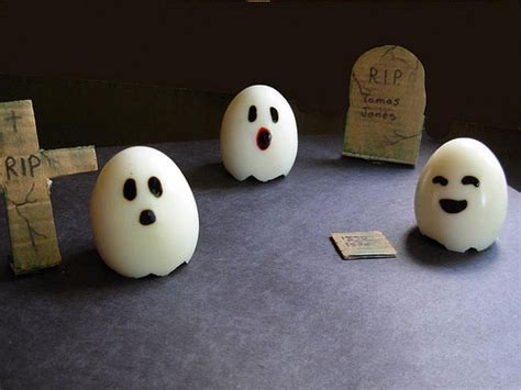 ghostly eggs  eats