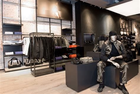 designer second shop world s largest porsche design store in soho 2nd store in new york porsche everyday