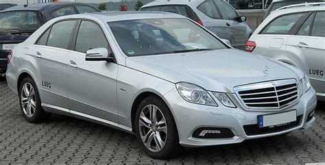 Contact your retailer for full details. File:Mercedes E 250 CDI BlueEFFICIENCY Avantgarde (W212) front 20100705.jpg - Wikipedia