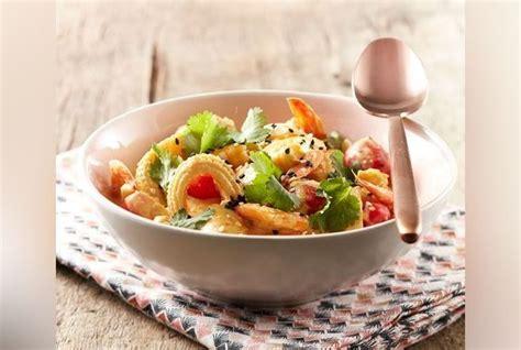 la cuisine au wok recette wok poulet crevettes au lait de coco citron gingembre